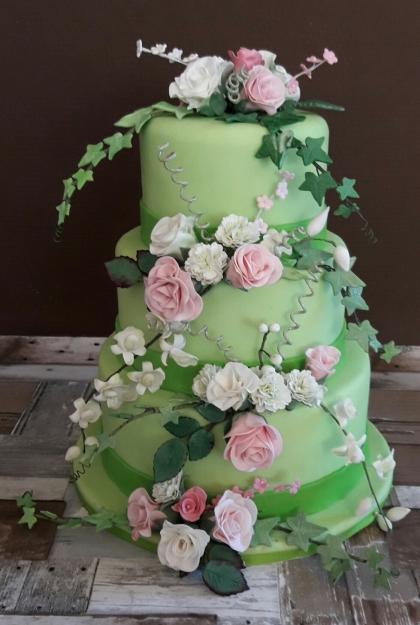 Bruidstaart met sugarflowers