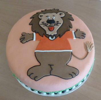 Laat de leeuw niet in zijn hempje staan taart